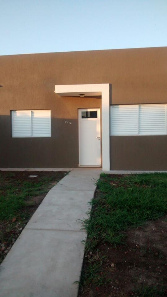 Casa en Alquiler. 1 Dormitorio, patio y cochera.